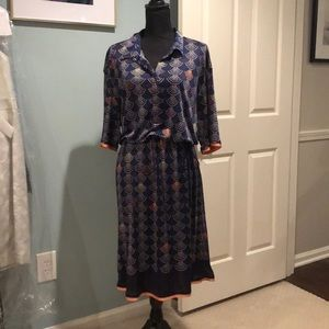 Navy shirt dress size 16. Silk.